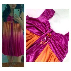 Exclusive !! Short ballooned satinfinish partywear dress